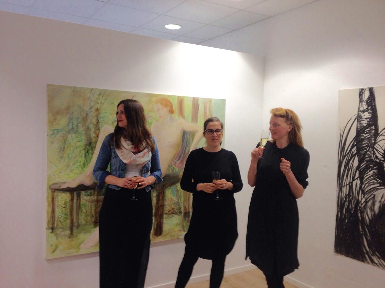 Forward to Paradise - die drei Künstlerinnen auf der Vernissage